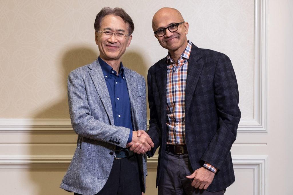 MS-Exec-NadellaSony-CEO-Kenichiro-Yoshida-013-low-res همکاری سونی و مایکروسافت در زمینه سرویس ابری