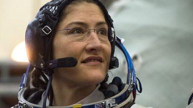 Photo of کریستینا کوک پس از حضور رکوردشکن ۳۲۸ روزه در فضا به زمین بازگشت