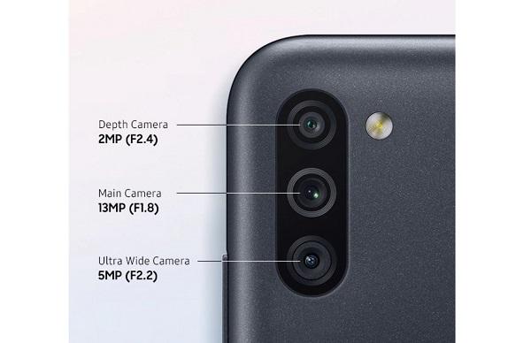 گلکسی M11 سامسونگ با دوربین سهگانه