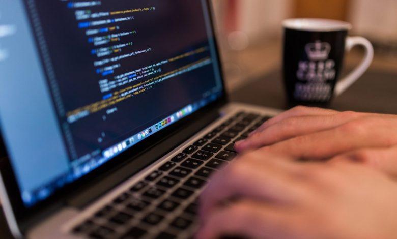 -coding-working-workspace-apple-macintosh